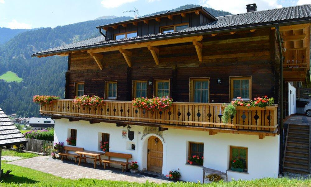 Il maso Feldererhof: l'agriturismo in Val Pusteria combina antichità e modernità